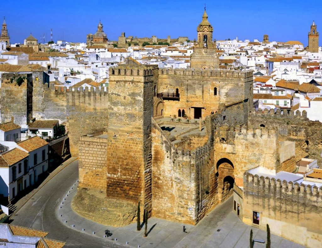 Reuni n del raid andaluz en carmona sevilla - Puertas uniarte sevilla ...